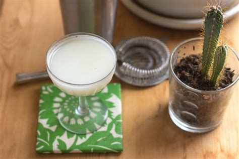 Your Monday Cocktail: The White Lady : Classic : DrinkWire