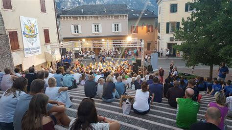 Book your Youth & School Group Concert Tours to Lake Garda